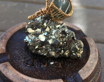 Moss Agate Ring - Heart Chakra Healing - Raw Brass Wire - Handmade Jewelry - Wire Wrapped Jewelry