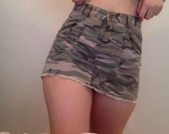 Vintage/Y2K Green Camo or Army Skirt