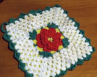Hand Crocheted 3D Summer Rose Bedspread/Afghan Sampler Tile/Square - 1950's
