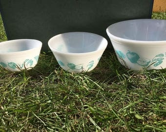 Vintage Federal glass white bowl turquoise fruit