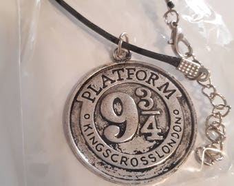 Platform 9 3/4 Ncklace