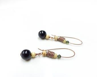 Ethnic earrings ~ wood of Onyx.