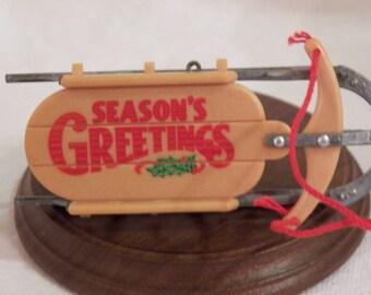 1984 Hallmark Nostalgic Sled ornament - QX4424