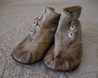 Precious Antique 1920's White LEATHER Button Up Baby SHOES shabby chic decor photo prop display shoe boots