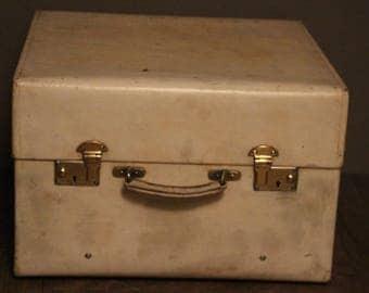 1920's Small Beige Vellum Steamer Trunk
