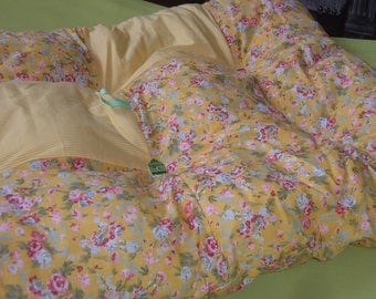Quilt in shades of yellow
