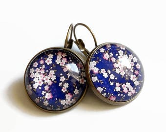 """""""Stud Earrings * blue and pink sakura"""" small pink flowers japanese cherry blossom glass"""
