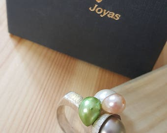 multicolor silver and pearls ring