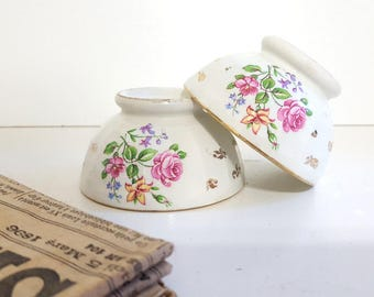 2 Vintage cafe bowls French pottery cafe au lait bowls Flowers French kitchen decor !