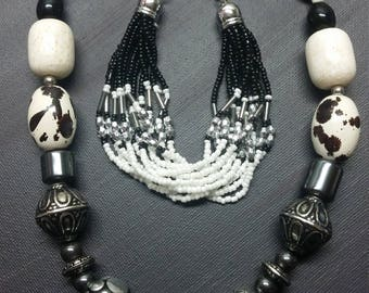Chunky mixed naturals black and white 2 piece set