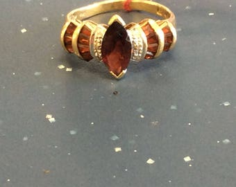 14K Yellow Gold Garnet Woman's Ring