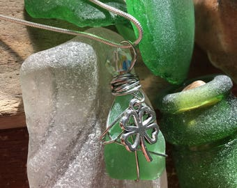 Kelly green seaglass, shamrock/Swarovski pendant
