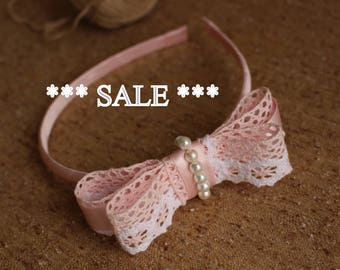 SALE,Light pink white bow headband,Light pink Lace Bow,Baby Little Girl Toddler bow Headband,Lace satin Pearls Simple Bow,Girl Head Band