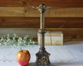 Vintage Brass Candleholder - French Country chic - Three feet - Wedding Decor - Holidays - Centerpiece