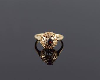 14k Red Garnet Scroll Filigree Solitaire Ring Gold