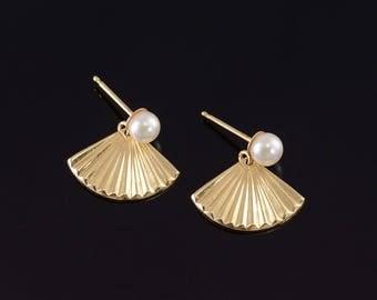 14k Pearl Post Back Scalloped Fan Shell Earrings Gold