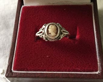 Gorgeous ART DECO CAMEO Sterling Ring - Very Lovely Tiny Female Profile Cameo - Sterling Silver - Beautiful Vintage Ring from France