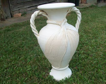 Garden Urn//Garden Decor//Outside Decor//Entryway Decor