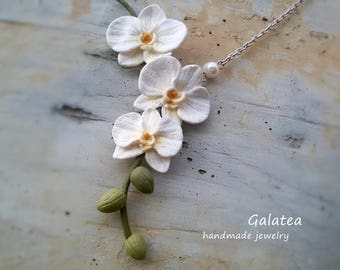 White Orchid necklace Bridal Triple Orchid jewelry Maid of honor gift Mother of the Bride gift Floral Bridal party gift Floral romantic gift