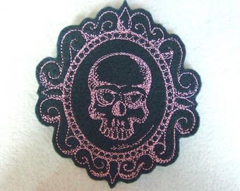 Applique badge patch fusible skull