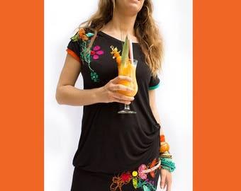 TUNIQUE AMPLE NOIRE-tunique en bambou-tunique brodée-robe-tunique-broderie-jersey-robe confortable-appliqués colorés-pailettes