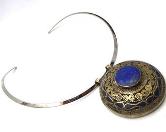 Tribal necklace of lapis lazuli mounted on stainless steel Choker