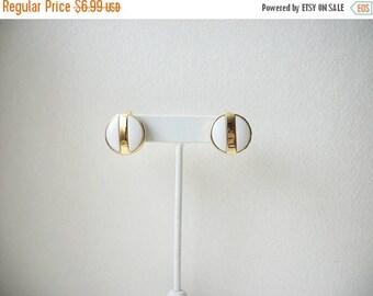 ON SALE Vintage AVON Gold White Enameled Clip On Earrings 5817
