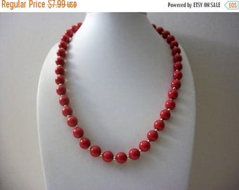 ON SALE Retro Simply Red Plastic Gold Tone Metal Necklace 102316