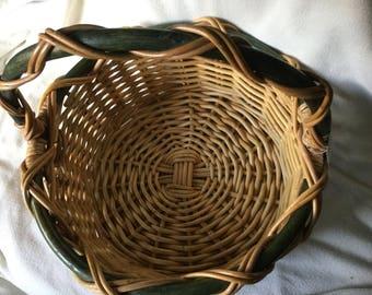 Large vintage basket/Garden basket/woven basket