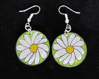 Earrings daisies (by theo)