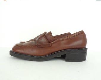 25%OFF-July 22-25 Vintage Mootsies Tootsies Brown Leather Loafers Size 7.5M, Leather Loafers, Brown Loafers, Brown Leather, Mootsies Tootsie