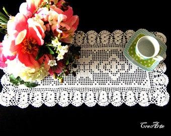Rectangular White crochet doily, centrino rettangolare bianco all'uncinetto