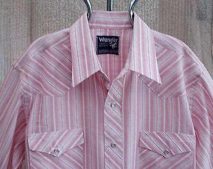 Vintage 70s Country Western Wrangler Cowboy Cut Pink White Striped Mens Long Sleeve Snap Shirt X-Long Tails 15 1/2-34