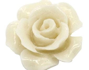 10 Ivory Rose Beads Acrylic 13mm x 12mm - 39D