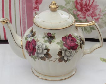 Sadler Vintage Teapot, Fluted Teapot with Roses, Sadler Floral Teapot, Made in England