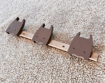Super hero rack natural wood with paint scalloped taupe gray