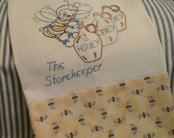 """Tea Towel """"The Storekeeper Bee"""""""