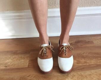 Bass saddle shoes, size 8.