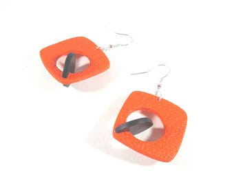 Black and red poppy earrings 3D