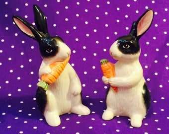 Fitz and Floyd Kensington Rabbits Salt and Pepper Shakers made in Japan circa 1987