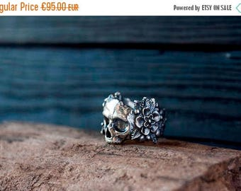 SALE 20% OFF Silver skull ring - Flower skull ring - Flowers and skull - Sugar skull - Day of the dead - Gothic ring - Dia de los muertos
