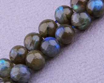 "8mm Natural Labradorite Beads , Gemstone Beads , Semiprecious beads , Blue Flash Larbradorite Beads , Round Labradorite Beads  15.5 "" Strand"