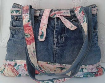 Denim bag and closed floral cotton and inside zip pocket