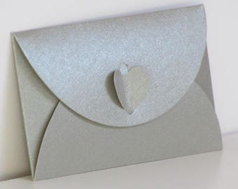 10 envelopes with little closed heart cardboard folding - grey, green Burgundy - 10.5 x 7 x 0.5 cm