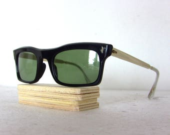 50's 60's Sunglasses Genuine Vintage Wayfarer Model New Condition FREE SHIPPING Black Green Aluminium