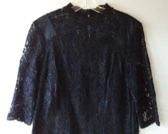 Vintage black lace dress// 60s Jackie O style mid length formal evening cocktail// Size 12 large L