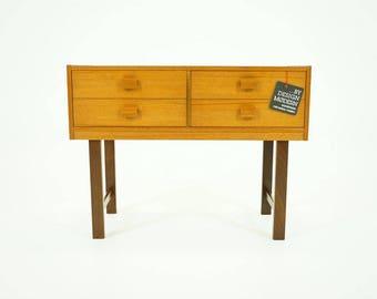 309-055 Danish Mid Century Modern Teak Bedside Nightstand Dresser Table