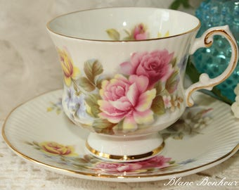 Elizabethan, England: Tea cup & saucer with pastels flowers