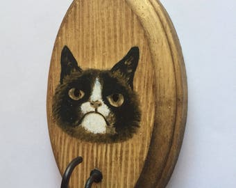 Hand Painted Grumpy Cat Rustic Leash Holder / Key Hanger. A fun and functional gift for cat lovers!