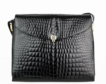 Black leather vintage shoulder bag